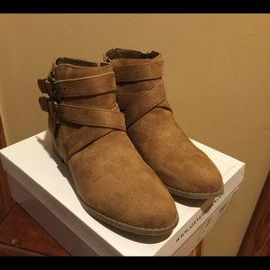 BNIB, Steve Madden, Tan, Ankle Boots, Size 4